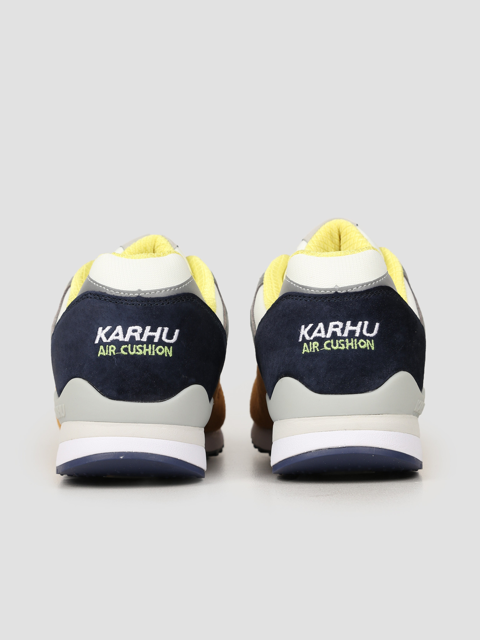 Karhu Karhu Synchron Classic Buckthorn Brown Ocean Depths F802639