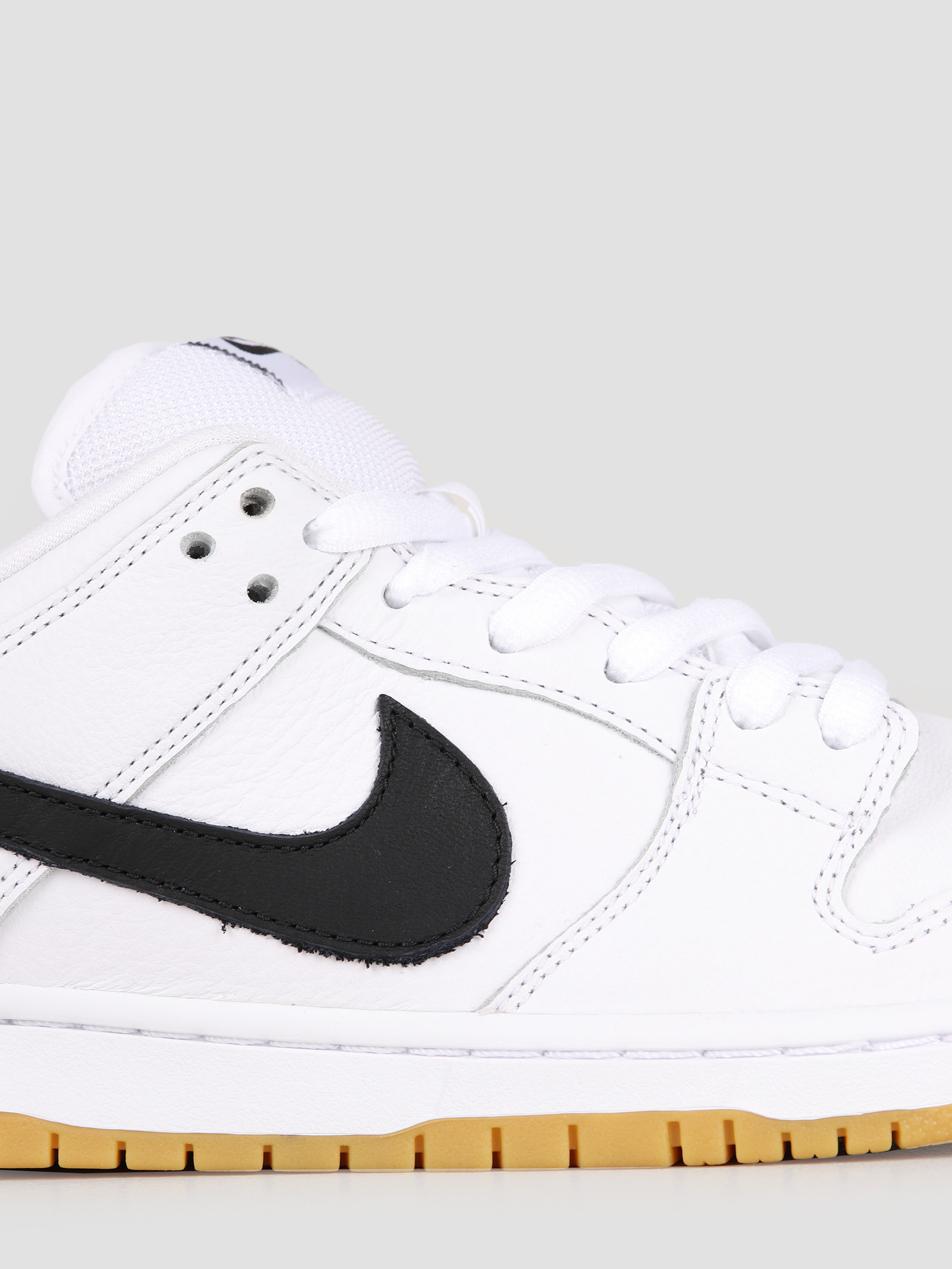info for c307c c7800 Nike Nike SB Dunk Low Pro Iso White Black-White-Gum Light Brown CD2563