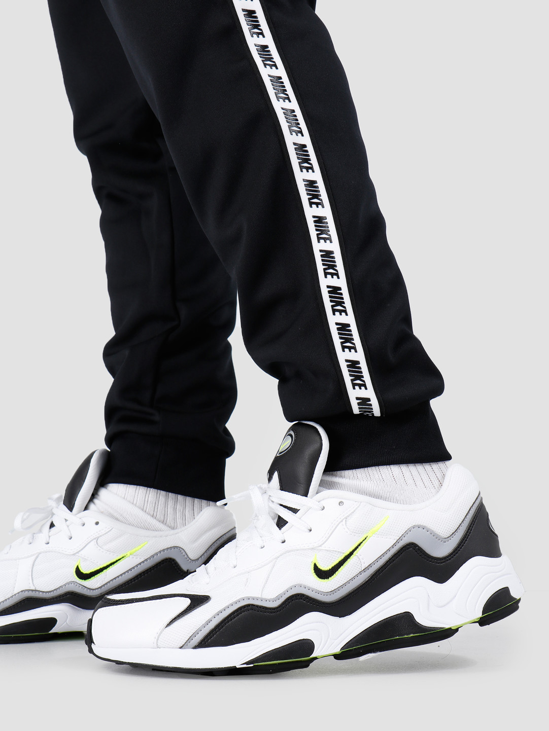 Nike Nike Repeat Pant Poly Black White AR4912-010