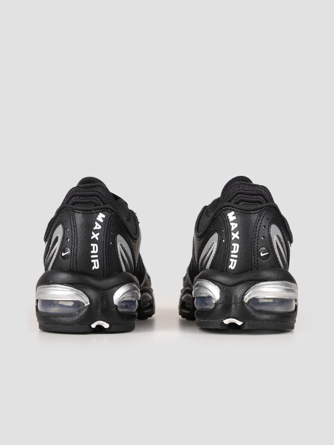 Nike Air Max Tailwind Iv Black White Metallic Silver AQ2567 003