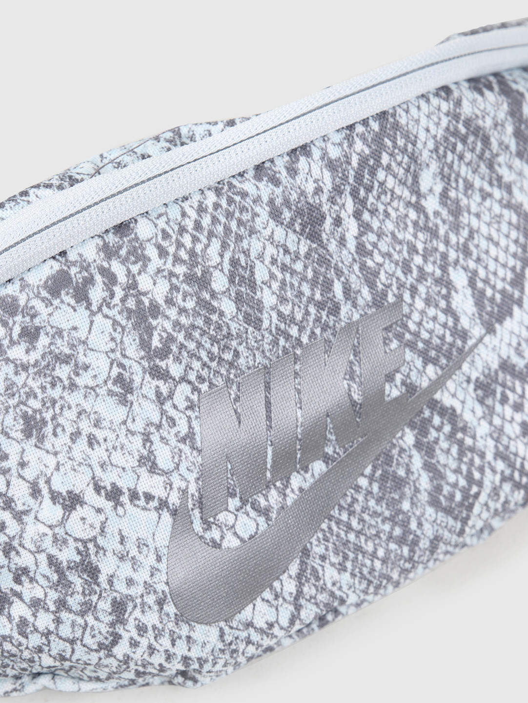 Nike Nike Nk Heritage Hip Pack - Python Gunsmoke Pure Platinum Mtlc Dark Grey Cq0310-056