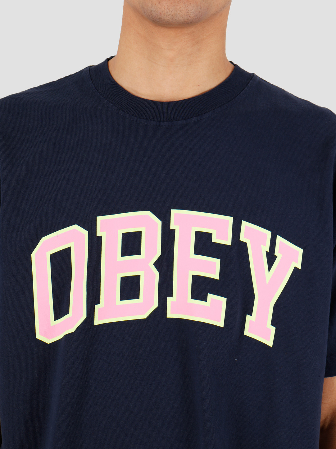 https://cdn.webshopapp.com/shops/260322/files/309507701/1082x1442x2/obey-obey-obey-academic-2-navy-166912135nvy.jpg