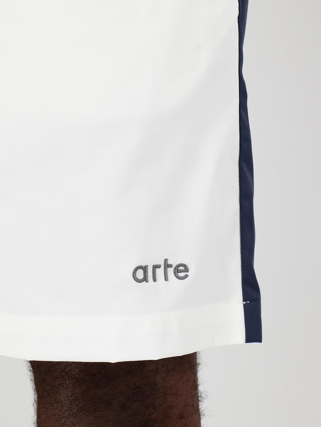 Arte Antwerp Arte Antwerp Spurs Shorts White Navy SS20-042SHO