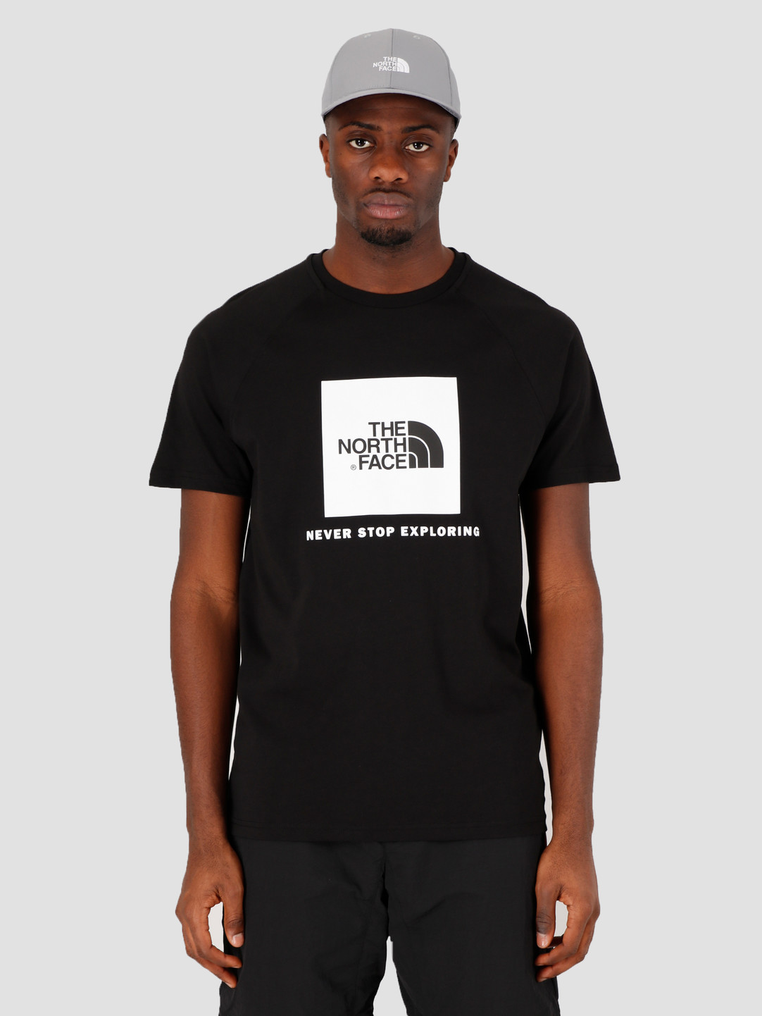 The North Face The North Face Short Sleeve Raglan Redbox Tee TNF Black TNF White NF0A3BQOKY41