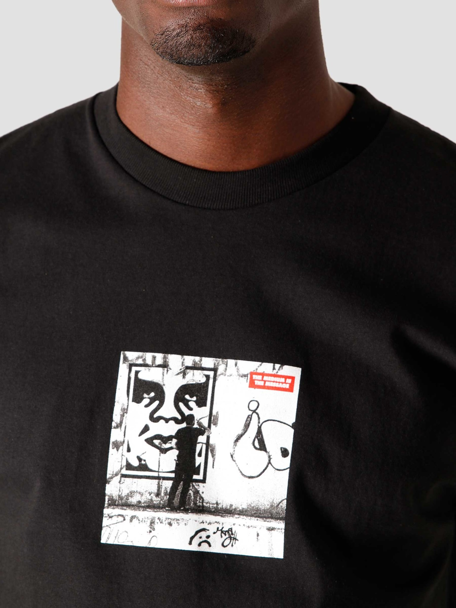 Obey Obey The Medium Is The Message Classic T-Shirt Black 165262412BLK