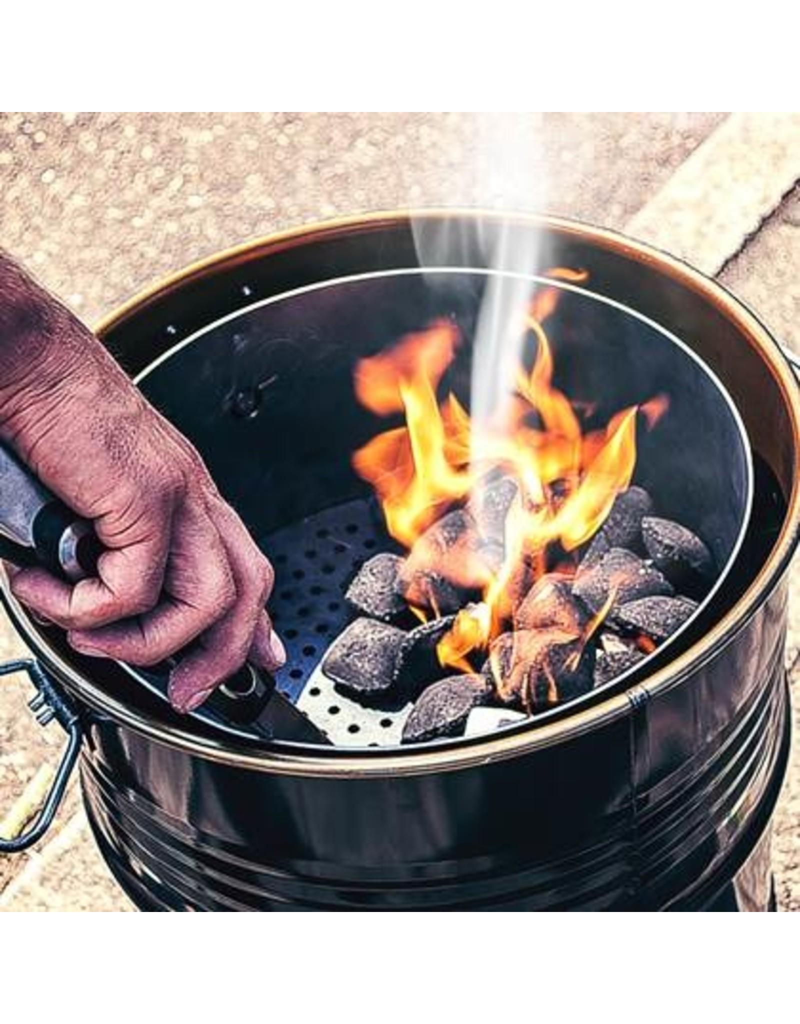 BarrelQ Der BarrelQ Notorious Small Grill 60 Liter Holzkohlegrill, Feuerstelle, und Tischplatte, Mit Schutzhülle