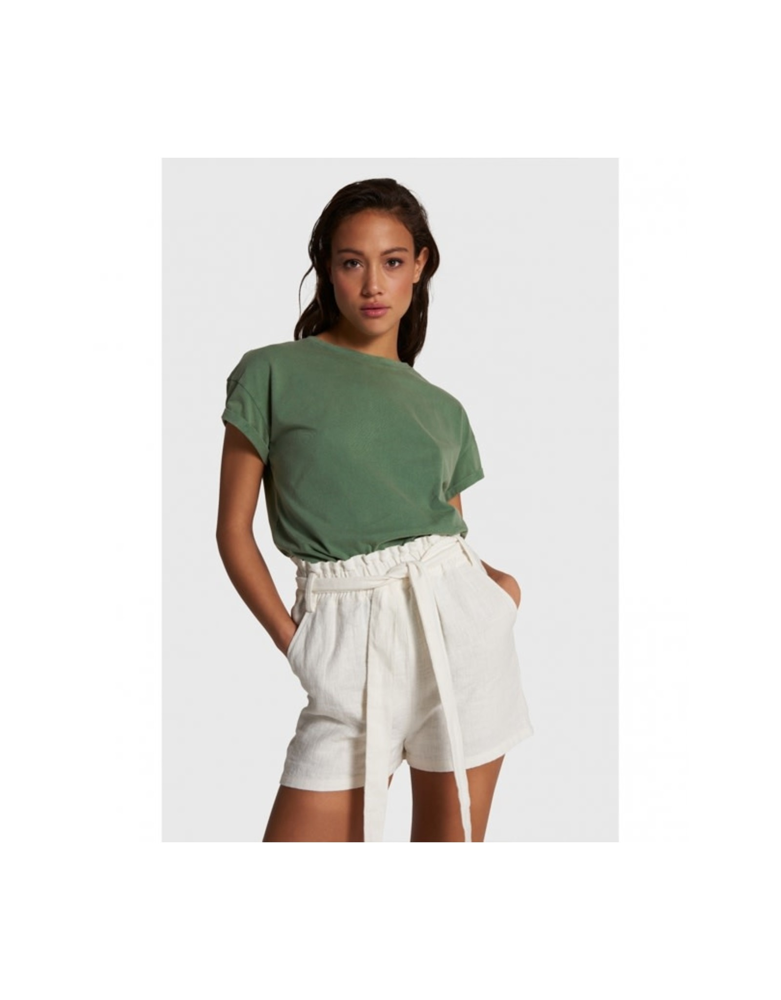 ALIX THE LABEL SHORTS LINEN OFF WHITE