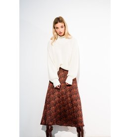 LIV THE LABEL KNIT CHIMNEY OFF WHITE