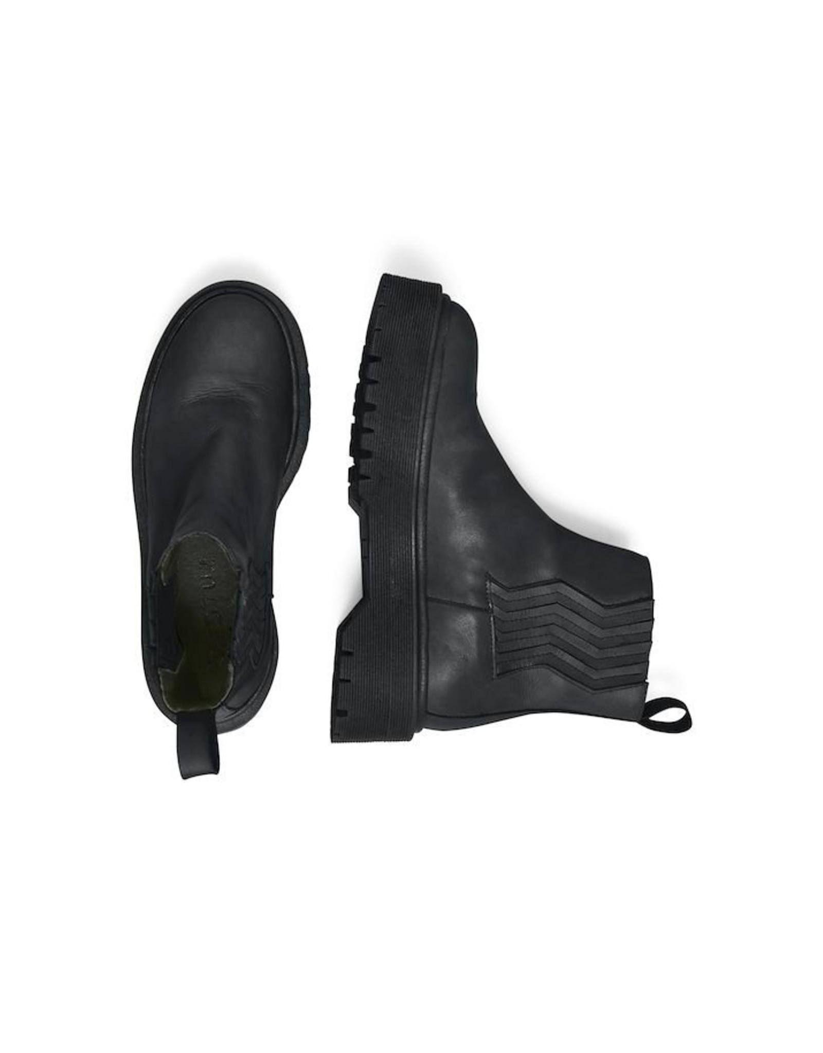 GESTUZ MARLEE SHORT BOOTS BLACK