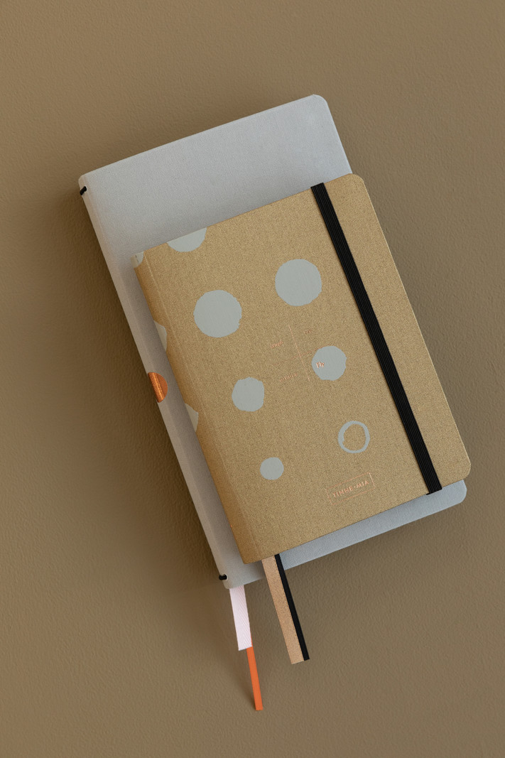 Linnen Address book - dotted grid / alphabeth - Mustard