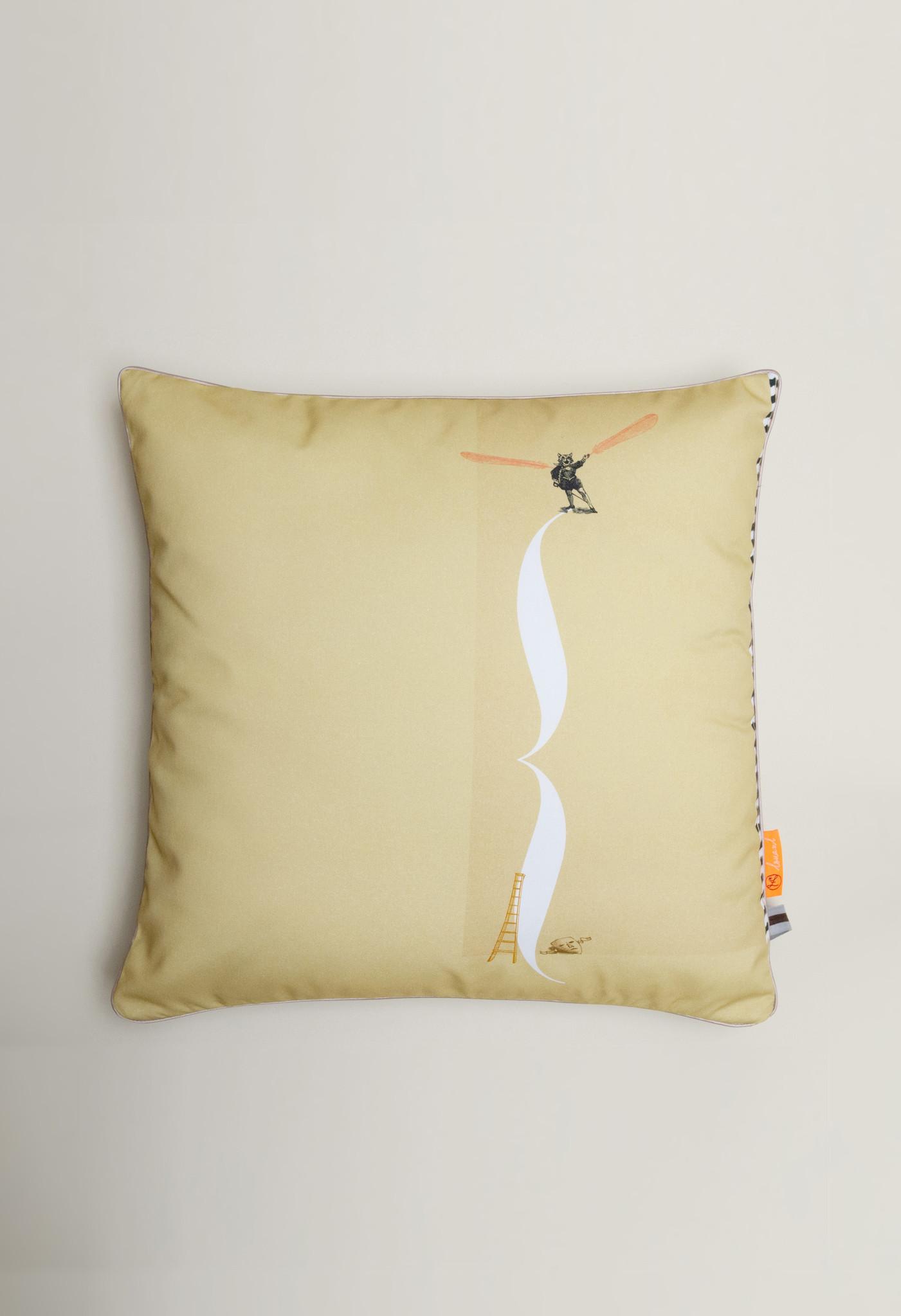 Pillow 'Gille de Binche' from the Loua series-1
