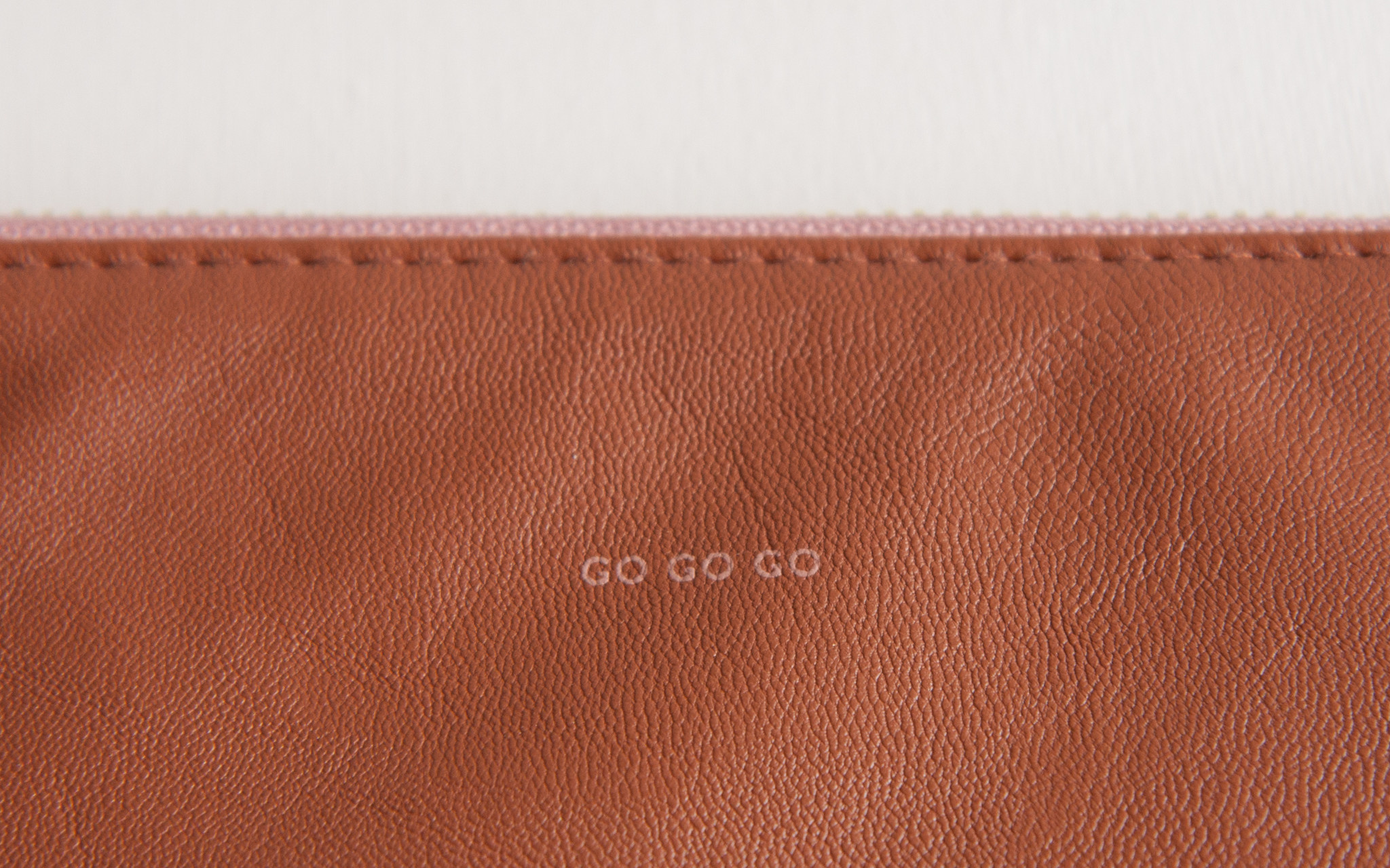 Feel Good Pouch - Light Brown-3