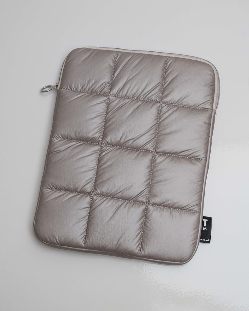 Puffy laptop Pouch - Dusty Gold