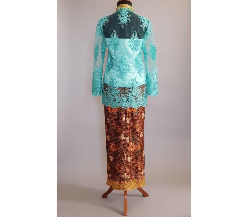 Kebaya elegant turquoise met bijpassende sarong
