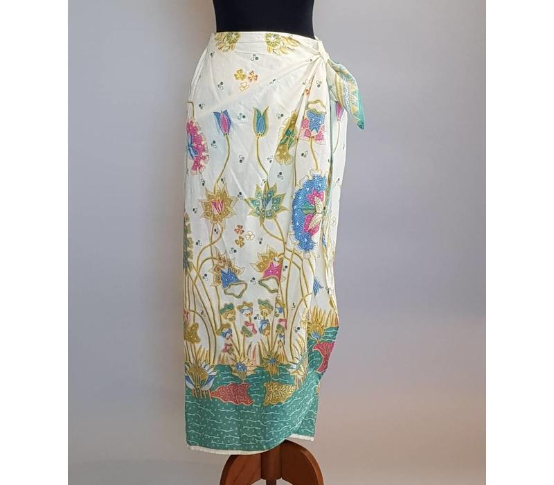 Kebaya modern turquoise met bijpassende wikkel sarong