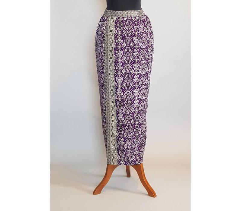 Kebaya klassiek violet met bijpassende sarong