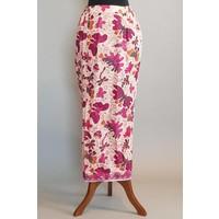 Kebaya roze met bijpassende sarong