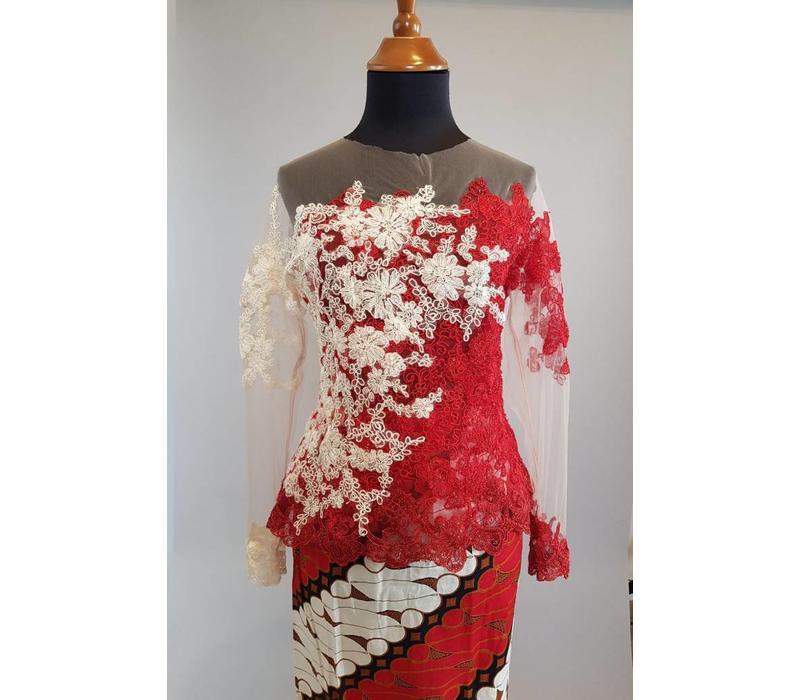 Kebaya modern rood wit met bijpassende sarong