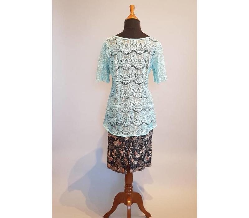 Kebaya licht turquoise korte mouw met korte rok