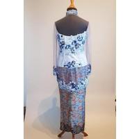 Kebaya blauwe lucht geborduurd met bijpassende sarong