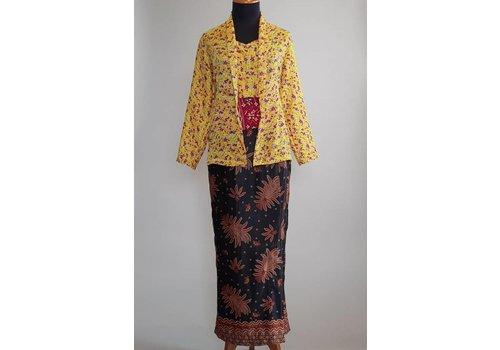 Kebaya Javaanse met bijpassende batik riem & sarong