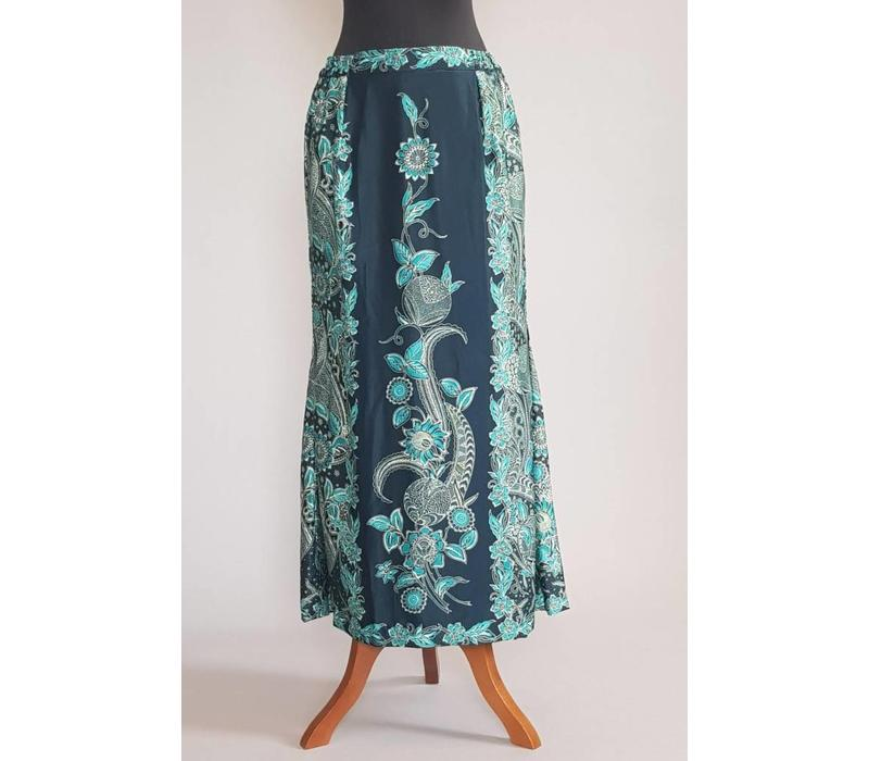Kebaya modern blauwe lucht net bijpassende sarong