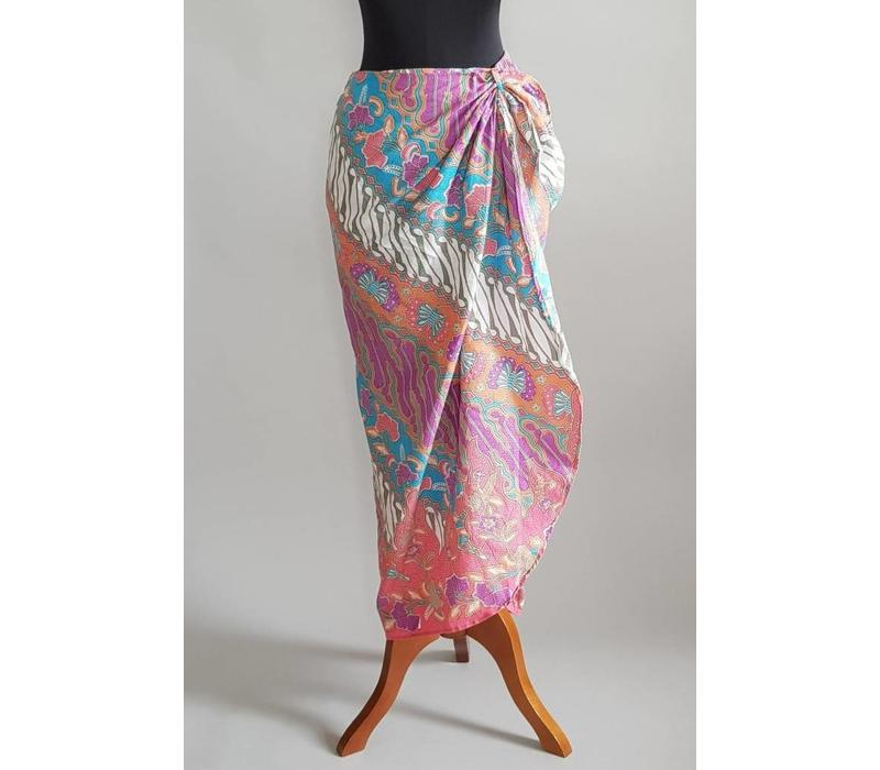 Kebaya modern  koraal met bijpassende sarong