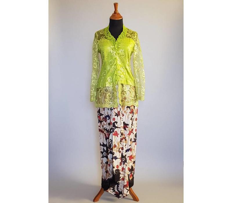 Kebaya klassiek olijf groen met bijpassende sarong
