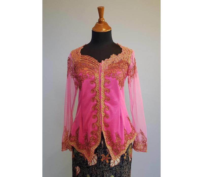 Kebaya gladiool roze met bijpassende sarong