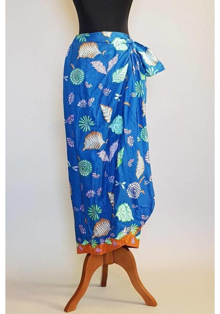 Kebaya modern blauw met bijpassende sarong