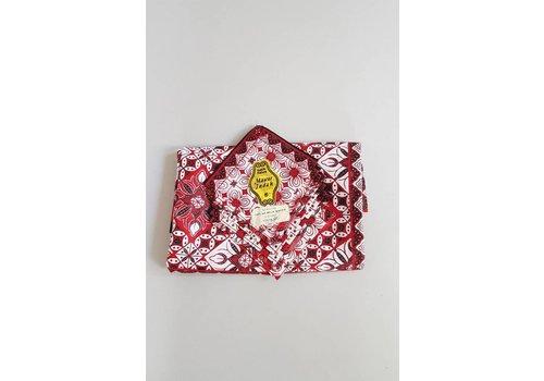 Batik tafelkleed bordeaux met bijpassende 8 servetjes