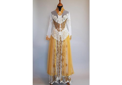 Bruids kebaya glamour white gold met bijpassende sarong