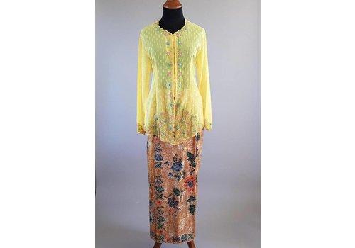 Kebaya zonnig geel met bijpassende sarong