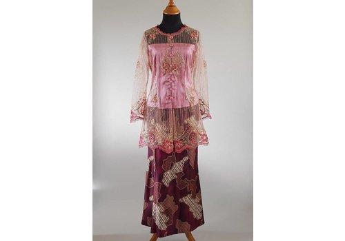 Kebaya acaciaroze met bijpassende sarong
