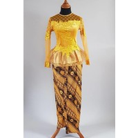 Kebaya trendy goud met bijpassende sarong