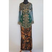 Kebaya glamour dennengroen met bijpassende sarong