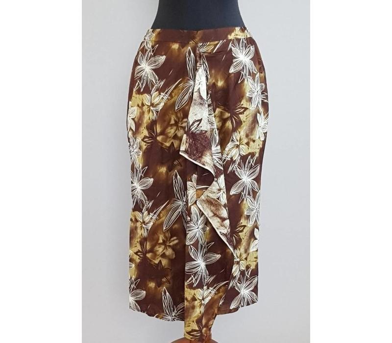 Kebaya zwart met bijpassende midi sarong