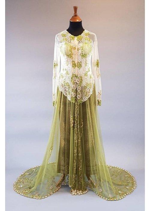 Bruids kebaya olijfgroen met sleep & bijpassende sarong