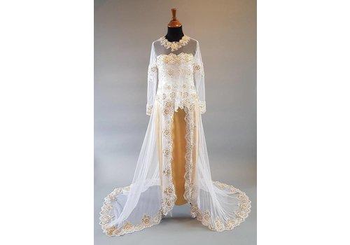 Bruids kebaya sneeuw wit met sleep & bijpassende rok
