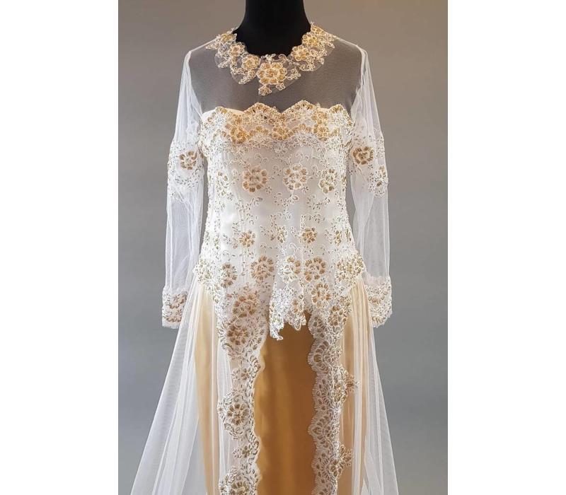 Bruids kebaya sneeuw wit met bijpassande rok