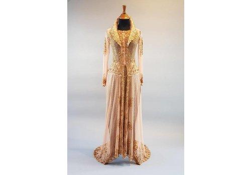 Bruids kebaya cognac bruin met sleep & bijpassende sarong