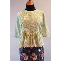 Kebaya licht groen met bijpassende sarong