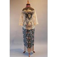 Kebaya glamour beige met bijpassende sarong