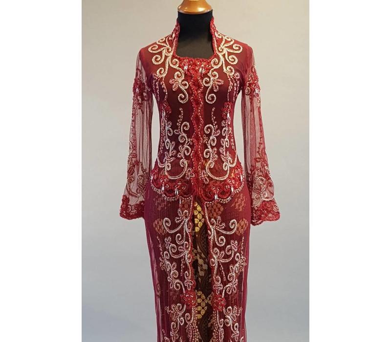 Bruids kebaya burgundy met bijpassende sarong plisse