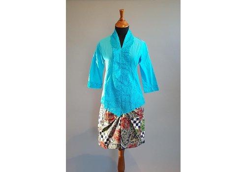 Kebaya blauwe lucht met bijpassende korte rok