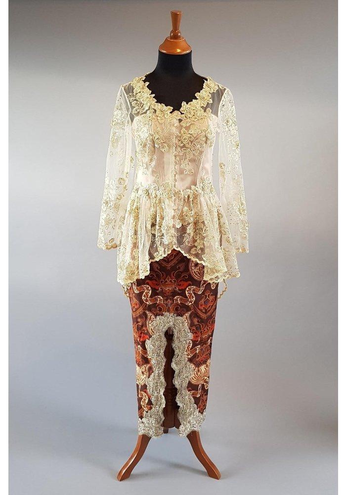 Bruids kebaya glamour beige met bijpassende sarong