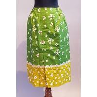 Kebaya kutubaru geel 3/4 mouw met bijpassende korte rok