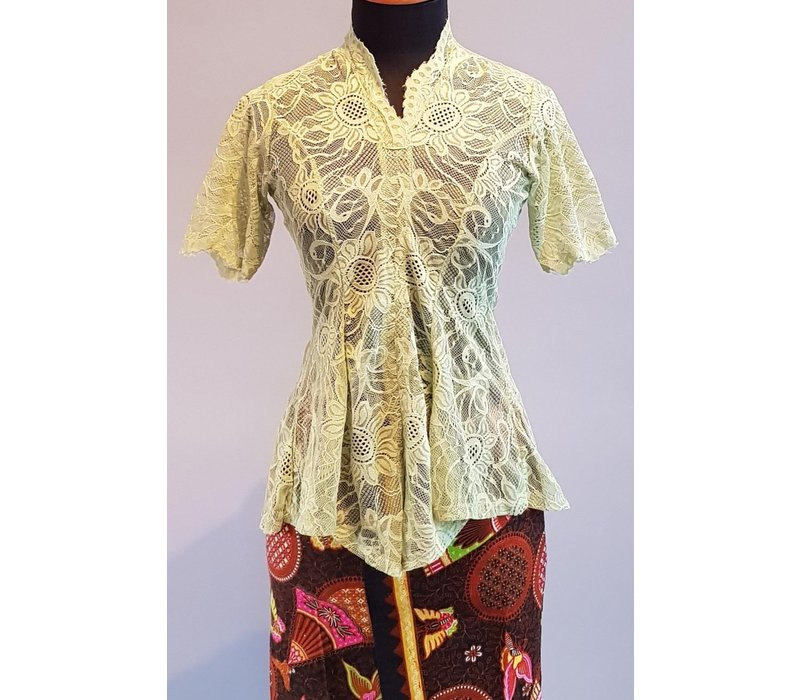 Kebaya munt groen korte mouw met bijpassende sarong