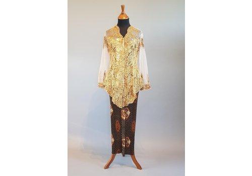 Kebaya glamour goud met bijpassende sarong plissé