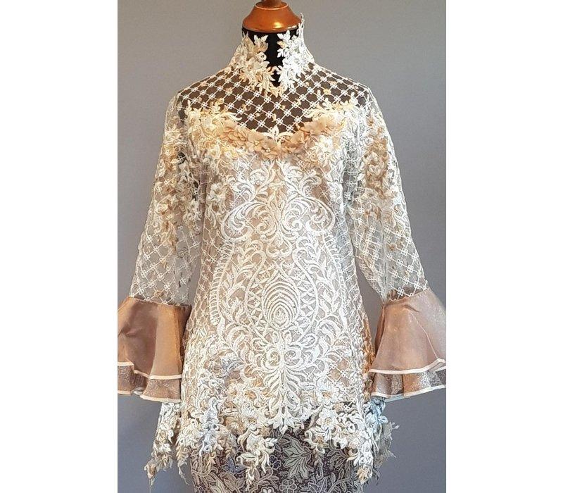 Bruids kebaya elegant taupe met bijpassende sarong en selendang